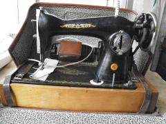 "Sell""unkillable""sewing machine"